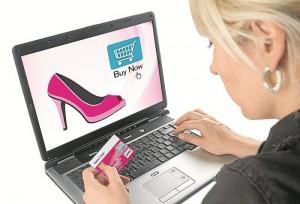 mujer compra por internet